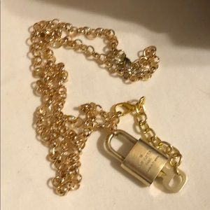 ❤️Authentic LV Lock & Key #321